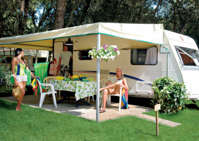 kampeerplaatsen-03-Baia_Domizia