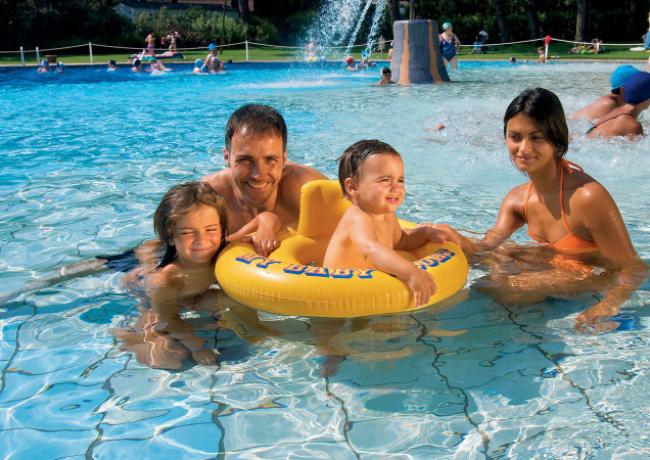 zwembad-02-Baia_Domizia_01