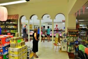 Rubicone supermarkt met slagerij.